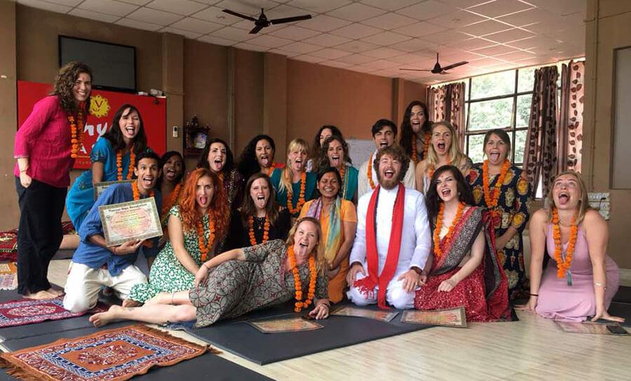 Curso yoga en India